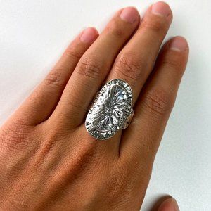 NWOT Silver Oval Ring, Size 10